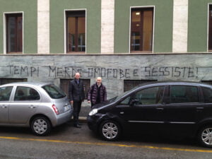 Gay: Ncd, vandali contro sede giornale 'Tempi' a Milano
